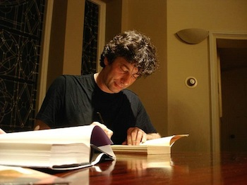 Neil Gaiman signing books in 2005