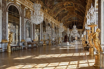 Hall of mirror in the Palace of Versailles