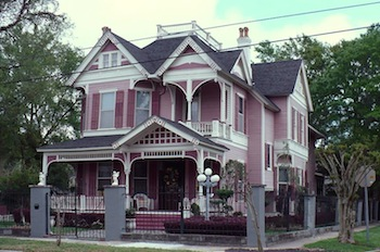 A Queen Anne Revival Home In The USA