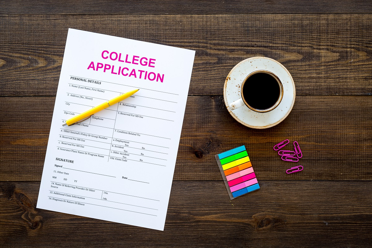 How to Stay Organized During College Application Season
