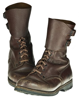 kemmerich boots in all quiet on the western front Free chapter 1 summary of all quiet on the western front by erich maria remarque  he sees kemmerich's prized pair of boots,.