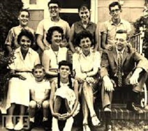 an analysis of the 1962s case of engel versus vitale Engel v vitale, 370 us 421 (1962) facts: the parents of ten pupils in new york  schools challenged the constitutionality of a new york state law requiring.