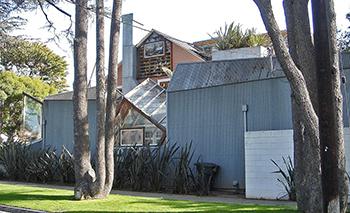 deconstructive architecture. Gehry House Deconstructive Architecture