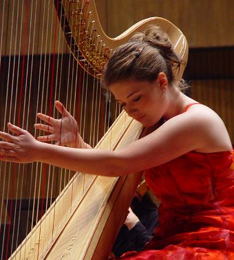 how to play a sharp on a harp