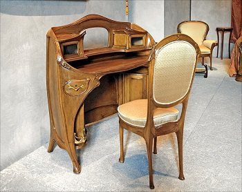 Art Nouveau desk and chair, by Hector Guimard