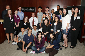 shari ashton with minds matter students at piper jaffray