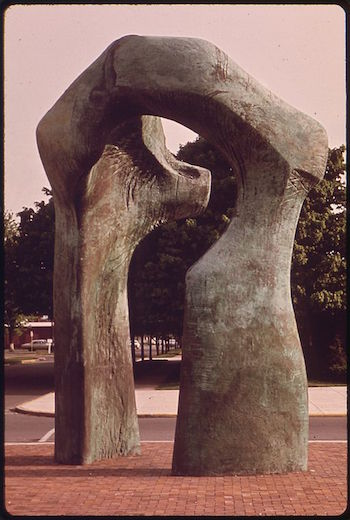 how to make a henry moore sculpture