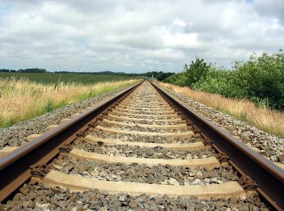external image railroad_tracks.png