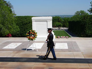 tomb of the unknown soldier wreath laying ceremony