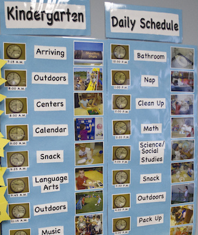 class daily schedule displayed with time, words, and pictures.