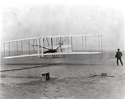 Wright brothers plane in 1903