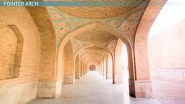 romanesque architecture vs gothic